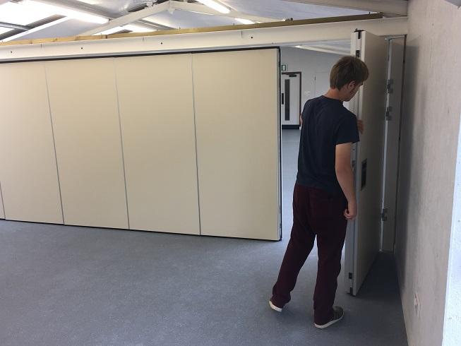 Folding Wall 15